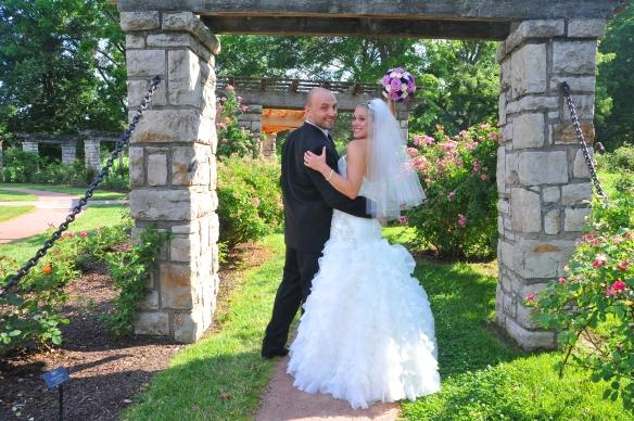 Fun wedding couples Kansas